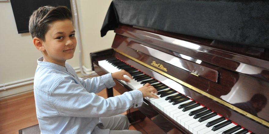 6 yaşındaki piyanist Avrupa birincisi oldu