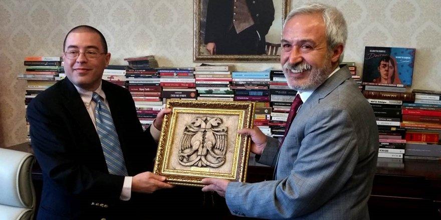 ABD'li Konsolostan HDP'li Mızraklı'ya ziyaret
