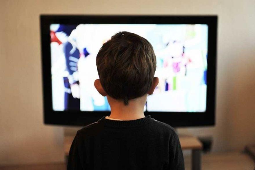 Mardin'de üzerine televizyon düşen çocuk öldü