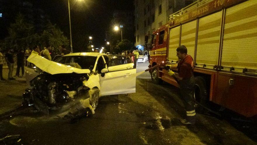 Trafik kazası: 1'i çocuk 4 kişi yaralandı
