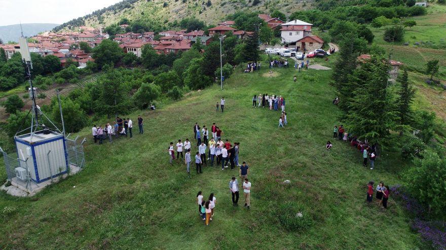 Bu köyde yüzlerce genç dağda tanışıp evleniyor