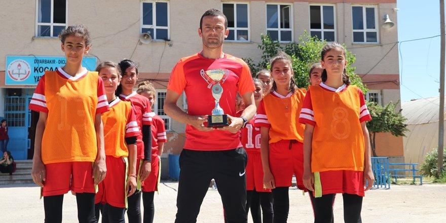 Diyarbakır'da ödüllü kız ragbi takımı