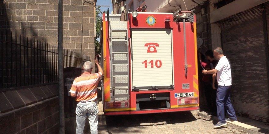 Diyarbakır'da yangına evden müdahale