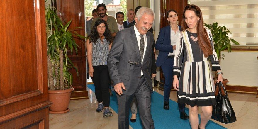 BM Komisyonu'ndan Valilik ve Büyükşehir'e ziyaret
