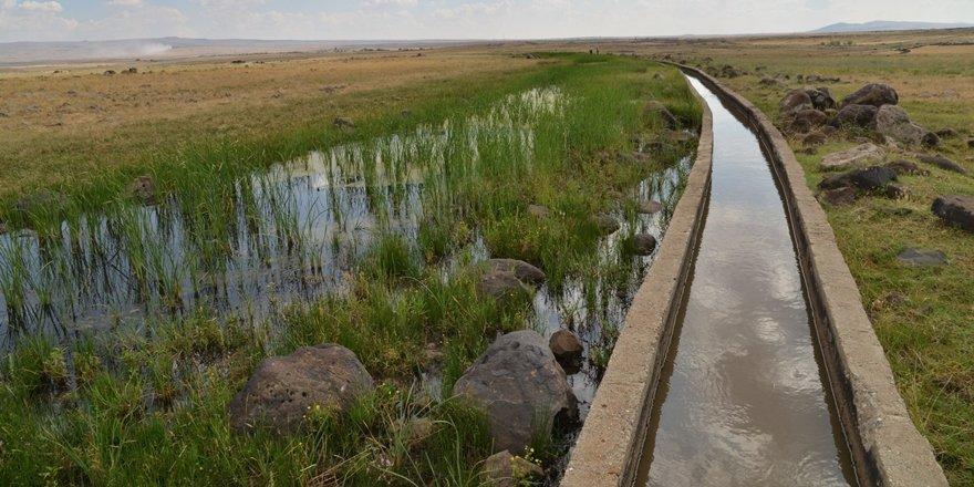 Diyarbakır'da çiftçilerin faydalandığı sulama kanalı onarıldı