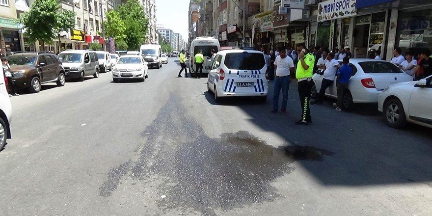 Diyarbakır'da 3 yaşındaki çocuk minibüsün altında kaldı