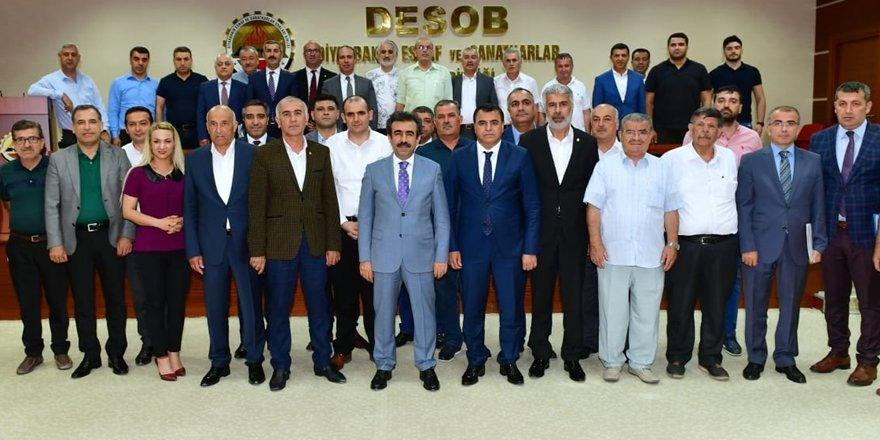 Vali Güzeloğlu, DESOB'da Esnaf Oda Başkanlarıyla görüştü