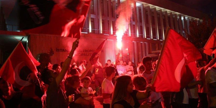 İstanbul'da İBB seçimi kutlamaları