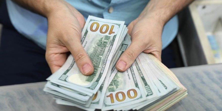 Dolar 1.5 yılın en sert aylık düşüşüne hazırlanıyor