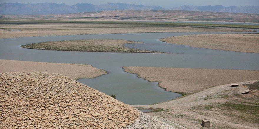Irak'taki kuraklık gizemli imparatorluğun 3400 yıllık sarayını ortaya çıkardı