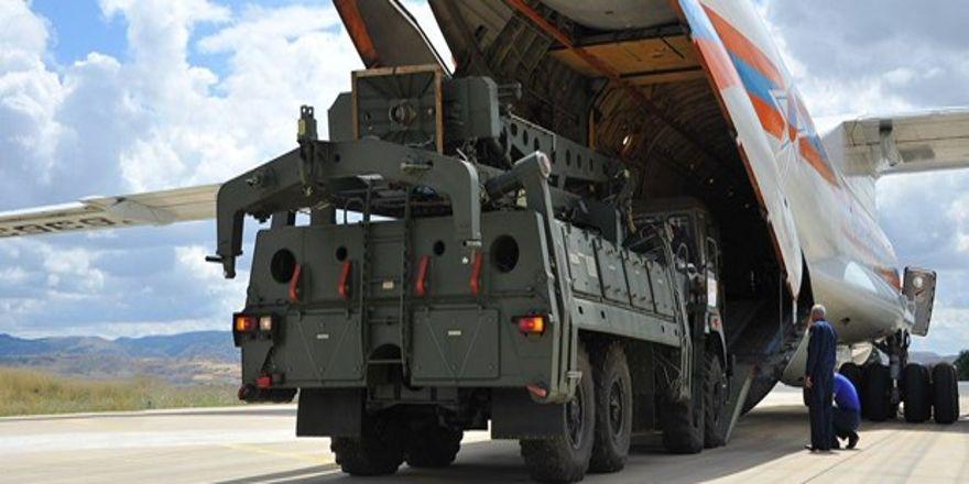 S-400'leri getiren 4. dev uçakta Türkiye'de