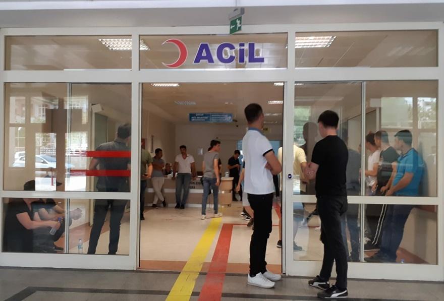 Siirt'te üzerine cam devrilen  iki kişi yaralandı