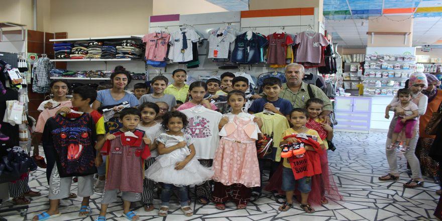 120 yetim çocuğa bayramlık