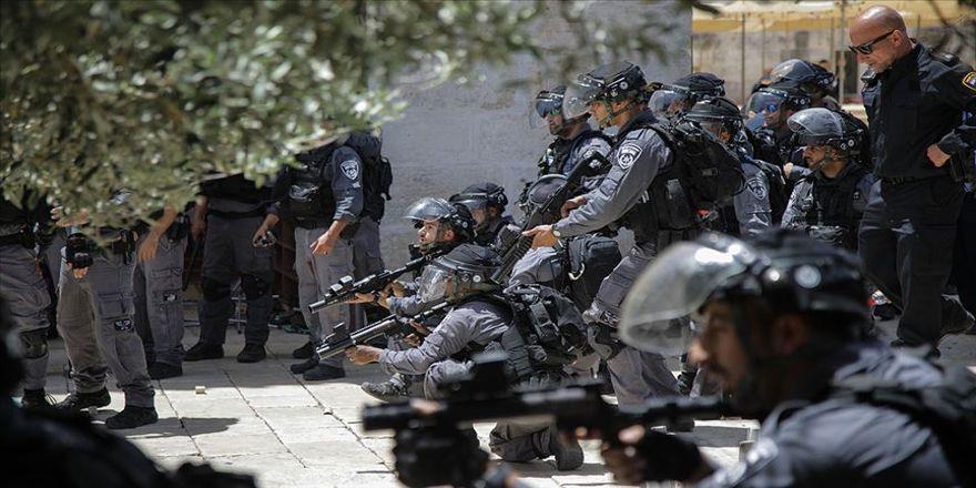 Mescidi Aksa'ya saldırı : 37 yaralı