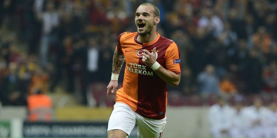 Wesley Sneijder, yeşil sahalara veda etti
