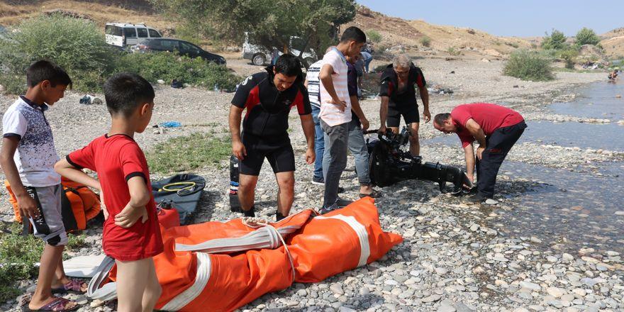 Baraj kapakları açıldı, 70 kişi mahsur kaldı