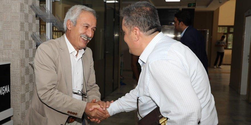 Eş Başkan Mızraklı personellerin bayramını kutladı