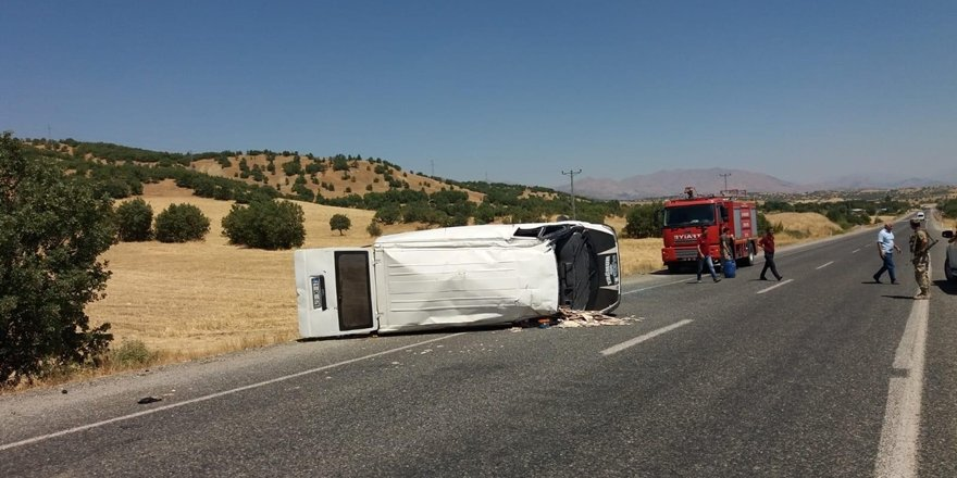 Diyarbakır'da feci kaza: 1'i ağır 7 yaralı