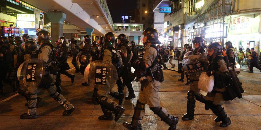 Hong Konglular bir kez daha sokaklara döküldü