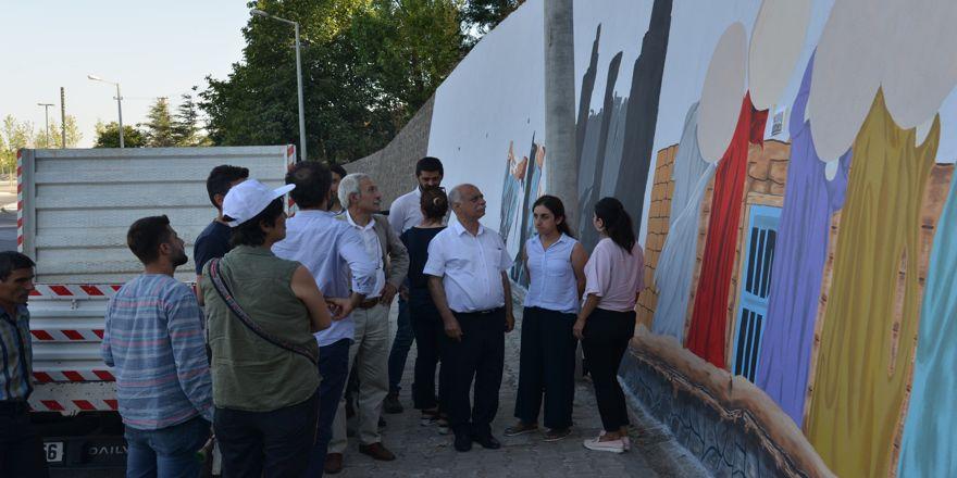 Diyarbakır'da caddeler grafiti ile süsleniyor