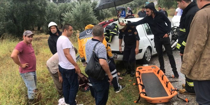 Yağmurda 4 araç birbirine girdi: 18 yaralı