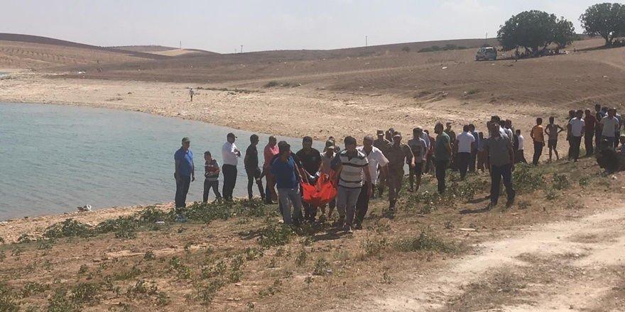 Baraj gölüne giren 2 kişi kayıp