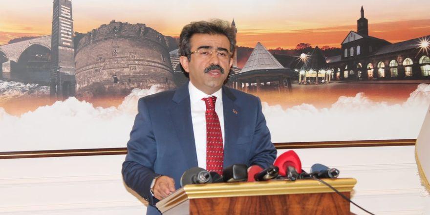 """Vali Güzeloğlu: """"Diyarbakır'ın emrinde olacağız"""""""