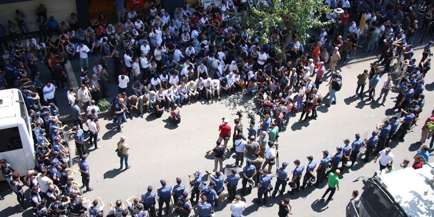 Diyarbakır'da kayyum protestoları sürüyor