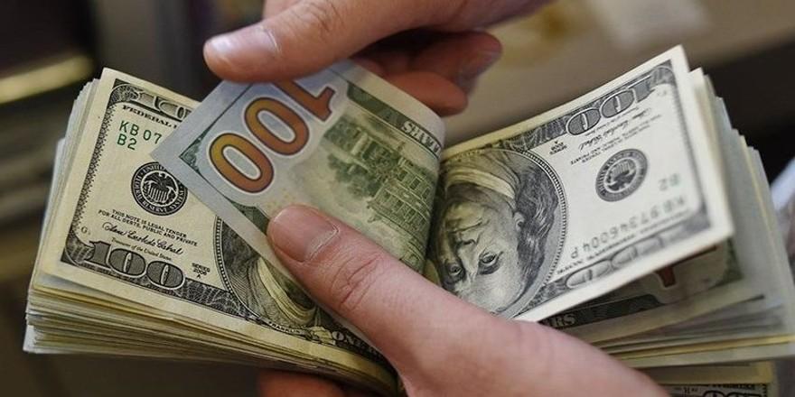 Dolar 5,76 liradan güne başladı