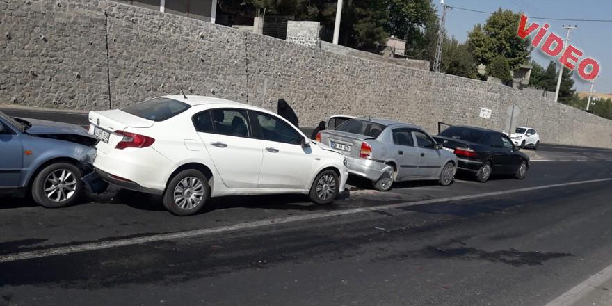 6 aracın kazaya karışmasına neden olan sürücü olay yerinden kaçtı
