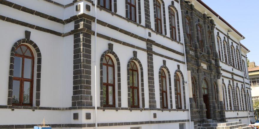 Tarihi binada Sanayi Mektebi Tasarım ve Eğitim Merkezi