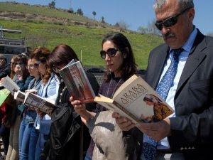 """Diyarbakır Valisi Mustafa Cahit Kıraç:  """"Bizim inancımız 'oku' ile başlıyor"""""""