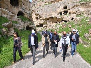 Kültür ve Tabiat Varlıklarını Koruma Bölge Kurulu Hasankeyf'te toplandı