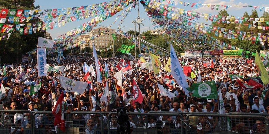 Barış mitingine binler katıldı
