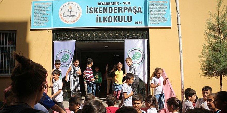 Diyarbakır'da ilk ders zili çaldı