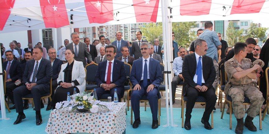 Diyarbakır'da 506 bin öğrenci ders başı yaptı