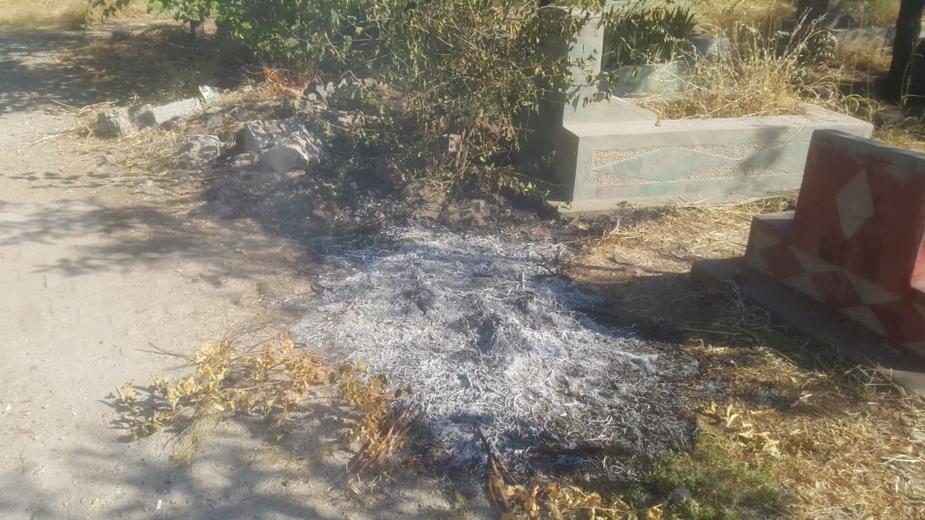 VİDEO- Yeniköy Mezarlığı'nda yangın!