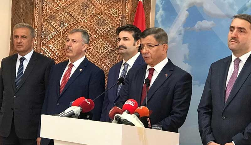 Davutoğlu AK Parti'den istifa etti: Yeni bir hareket inşa etmek için yola çıkıyoruz