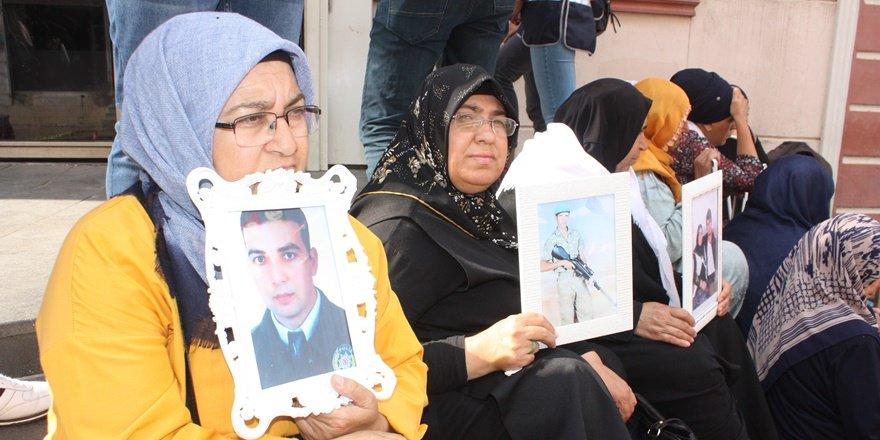 Annelerin HDP önündeki oturma eylemi 13'üncü gününde