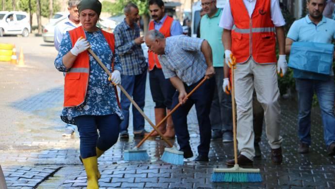 Sur'da ara sokaklar temizleniyor