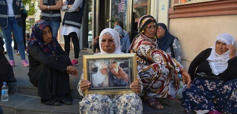 HDP önündeki oturma eylemi sürüyor