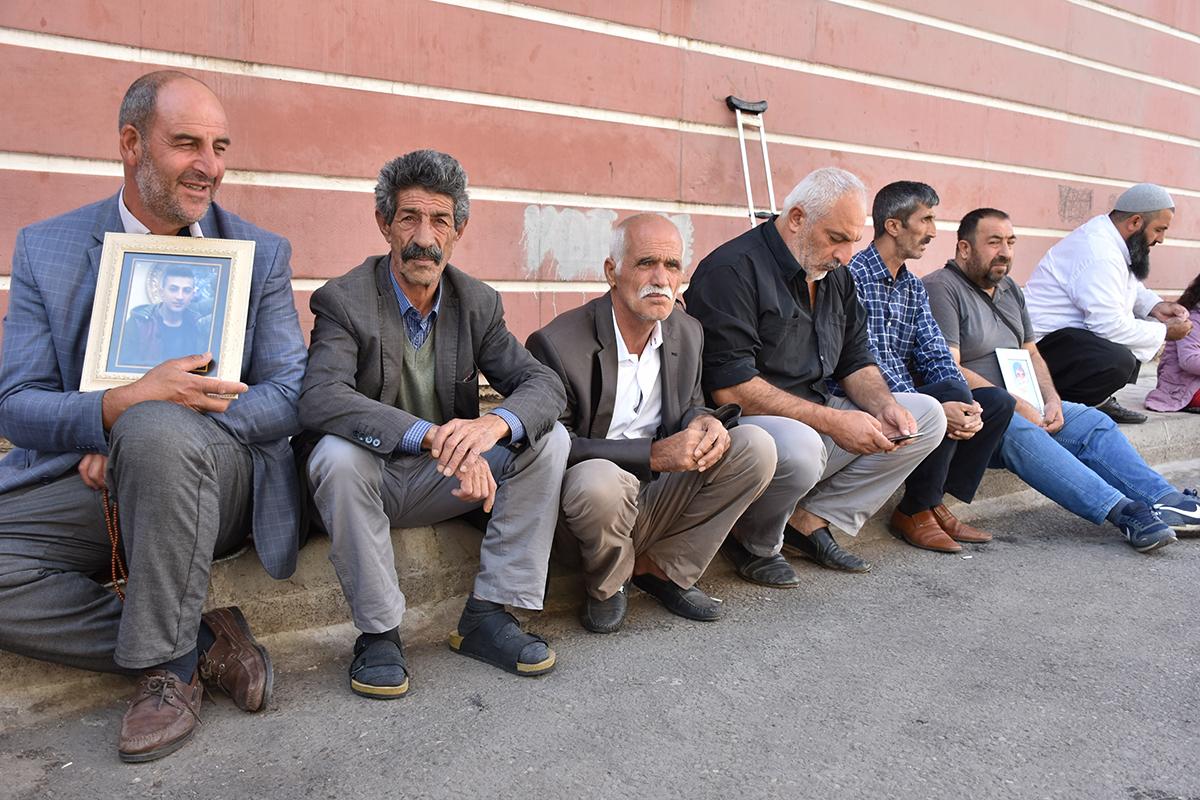 VİDEO- Polis oğlu PKK'nin elinde olan Kaya: HDP'yi kapatmadan gitmeyeceğim