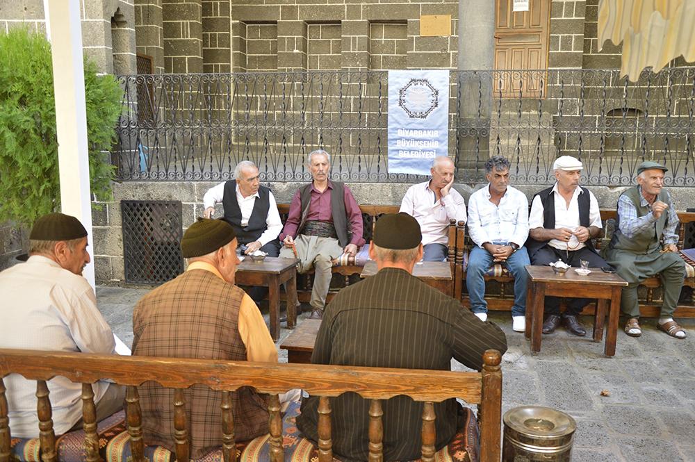 Yaşlılar Birimi denbej dinletisine katıldı