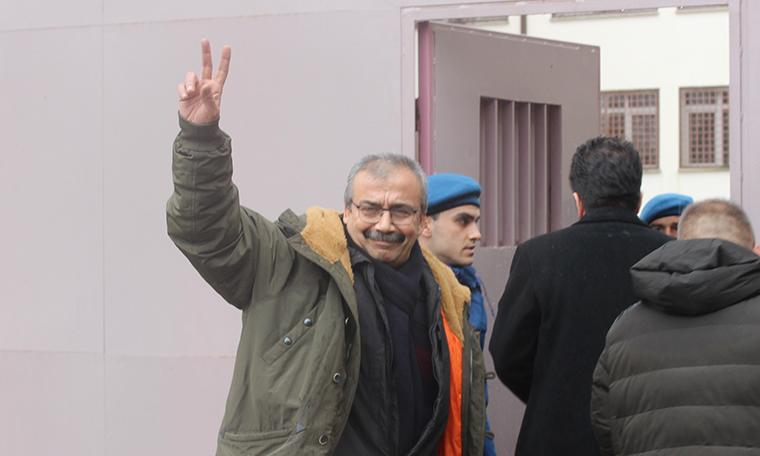 Mahkeme heyeti Önder'in tahliye kararını yarın değerlendirecek