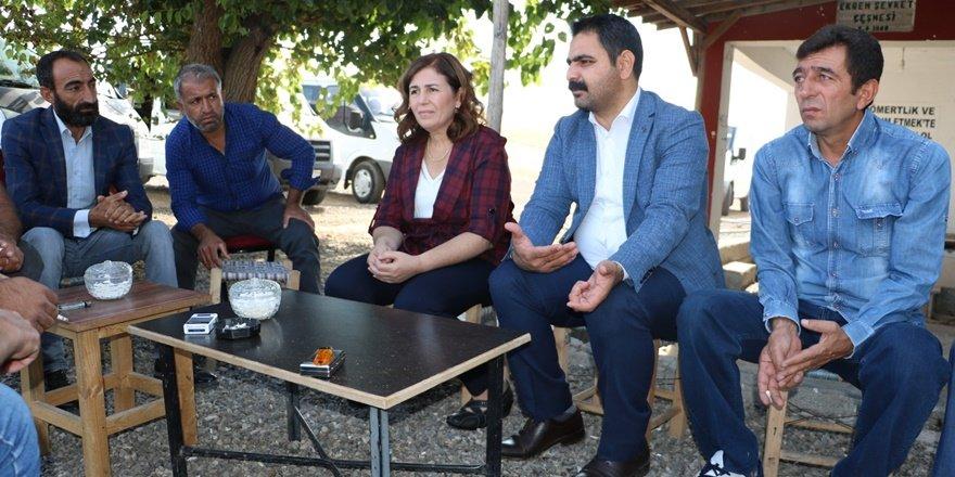 Sur'un eşbaşkanları köylerde halkla bir araya geldi