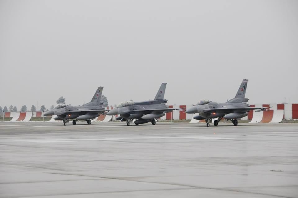 Diyarbakır'a savaş uçağı takviyesi, izinler kaldırıldı