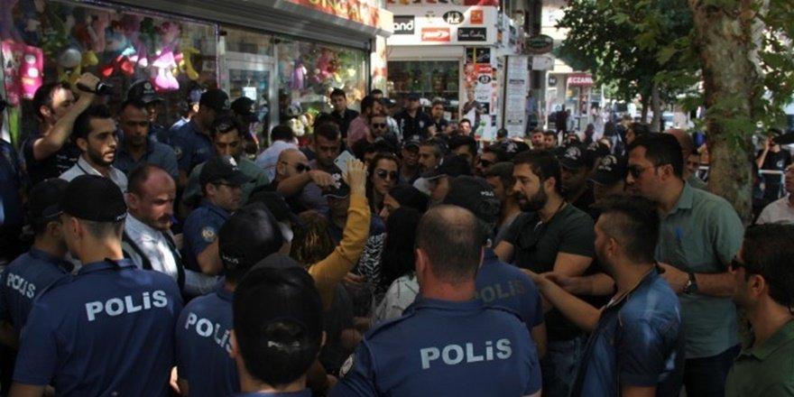 Diyarbakır'da kayyum protestosuna polis izin vermedi