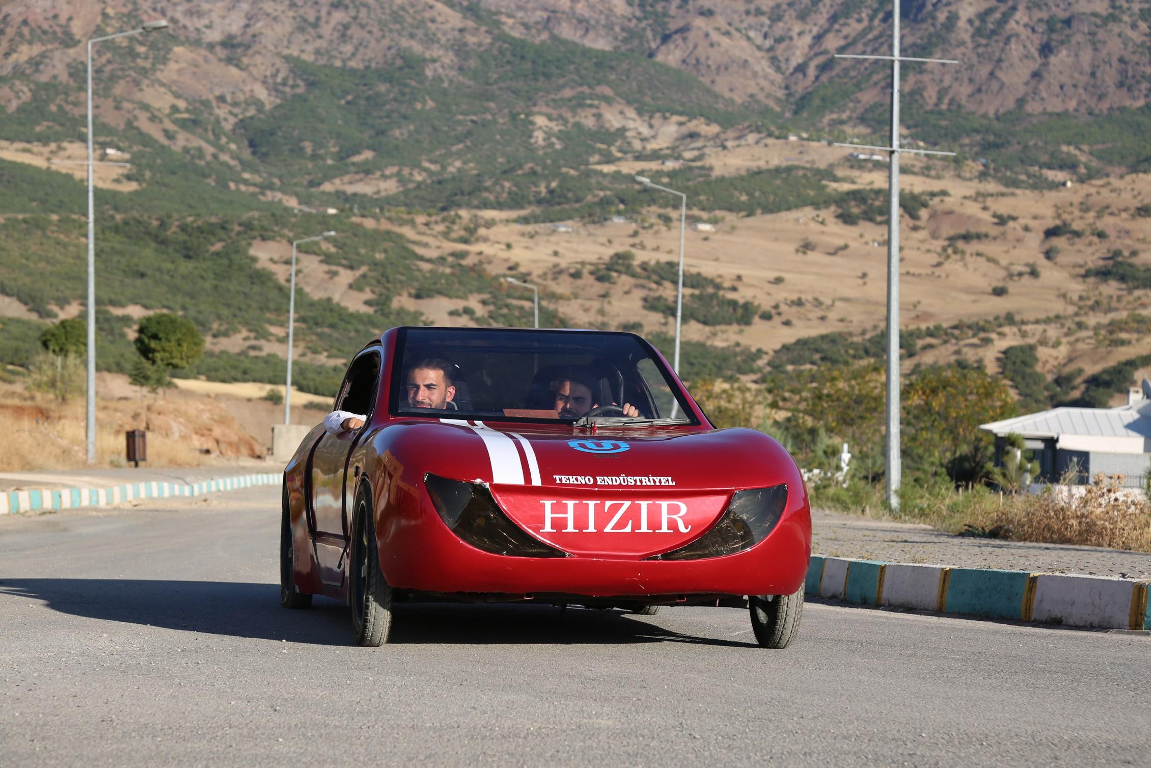 Dersim'in 'Hızır'ı 100 kilometrede 1 lira 2 kuruş yakıyor
