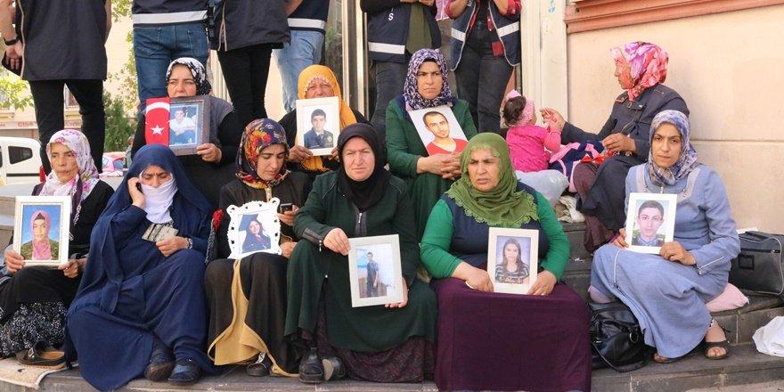 HDP önündeki ailelerin eylemi 45'inci gününde