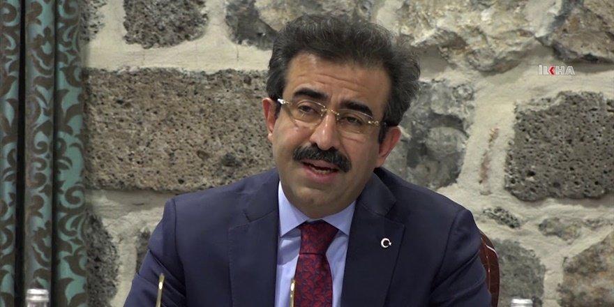 """Vali Güzeloğlu'ndan """"Muhtarlar Günü"""" mesajı"""